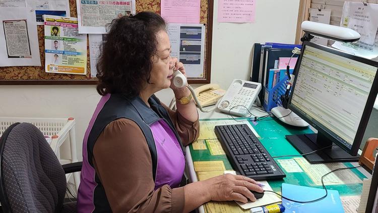本會常務監事賴幸姬曾獲國際生命線總會台灣分會表揚「生命救援獎」,有無數次在夜半時分透過一通電話救援成功的經驗。